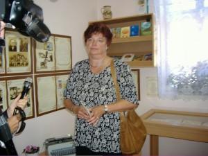 Az író lánya Dévényiné Balogh Gyöngyi az Emlékhely megnyitóján