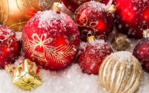 Christmas_ornaments-Festival_theme_wallpaper_medium